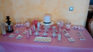 Mesa dulce en tonos rosas 1