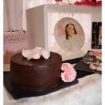 Mesa dulce primera comunion niña rosa, fucsia, blanco y negro. En carro (2)
