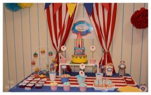 mesa dulce primera comunión niño temática el circo 8